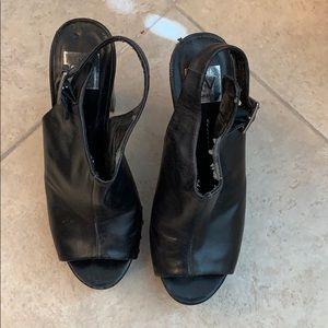 Black heels 7.5